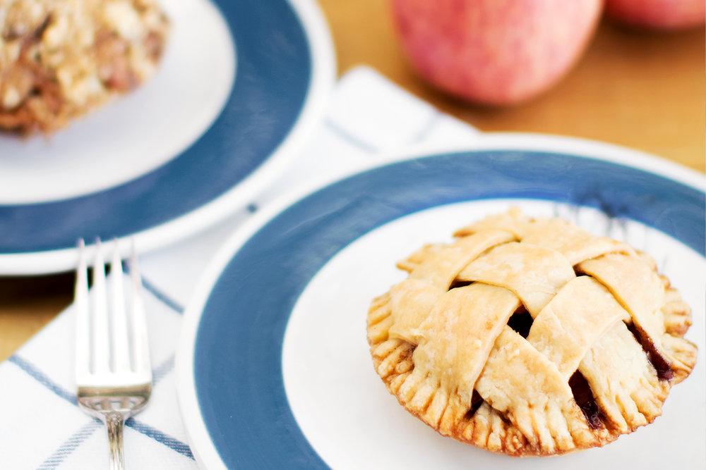 momandtinas-american-apple-pie.jpg
