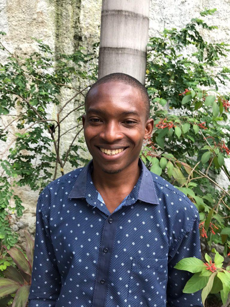 BENSON DELVA   École Supérieure d'Infotronique d'Haiti COMPUTER SCIENC