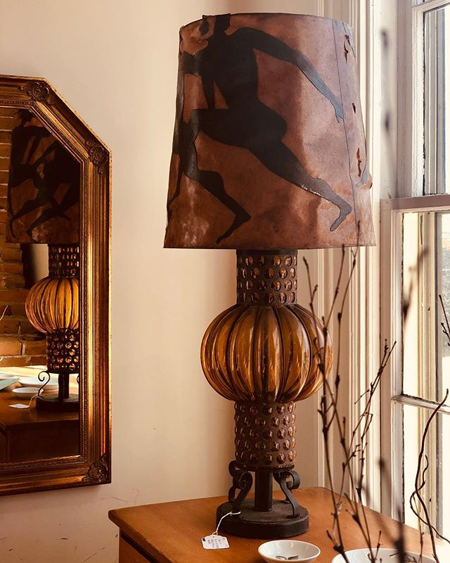 Find of the day ✨ Brilliant blown amber glass lamp with running people. For questions or pricing please call us at: 207.869.5091 . . . #antiqueshop #vintage #antiques #heirlooms #handmade #amberglass #newengland #shoplocal #freeportmaine #interiordesign #lighting #forsale #accent #homedecor #unique #craftsmanship #instaantiques #details #goneantiquing #antiquesforsale  @visitmaine @visitfreeport @maineantiquedigest