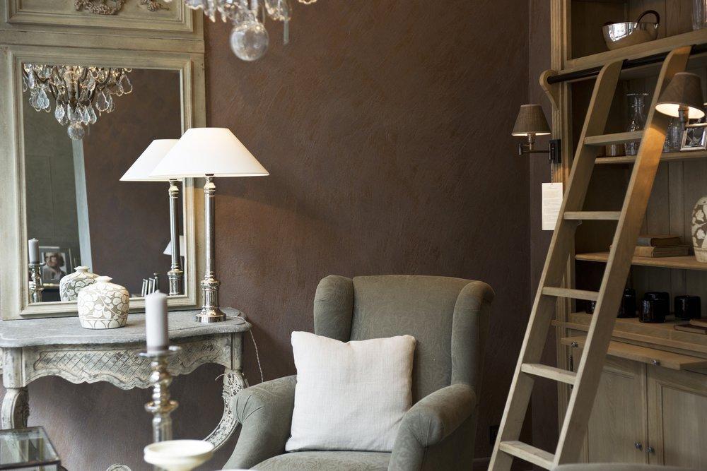 chair-decor-decoration-433200.jpg