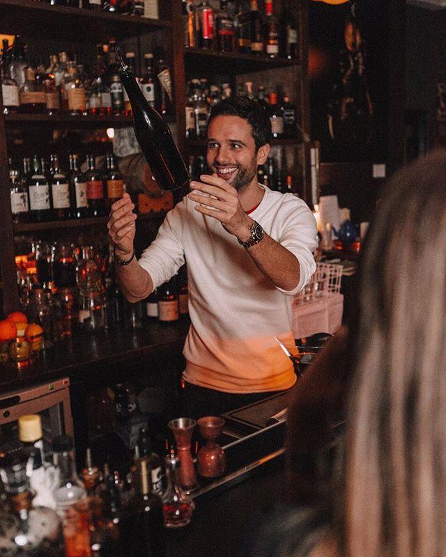 Like a barman 🍾 - @juliengauger
