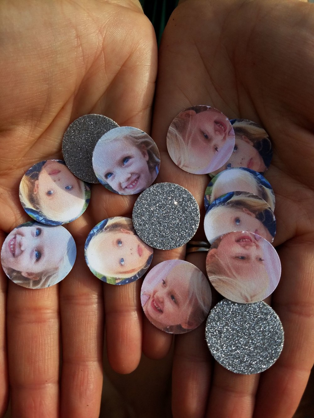 Beautiful customized party confetti from @onemoresunshine