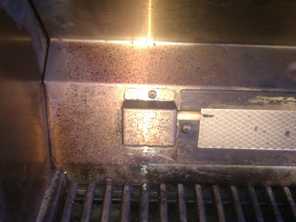 WOLF BBQ GRILLS BEFORE CLEANING