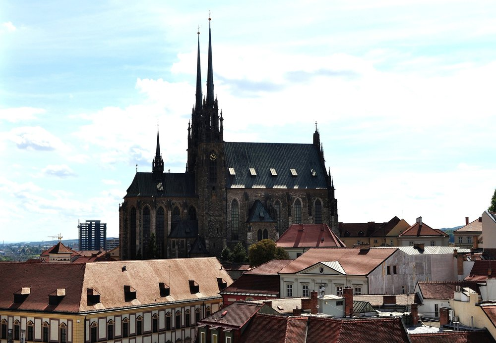 2560px-Brno_-_Cathedral_of_Saints_Peter_and_Paul_I.jpg