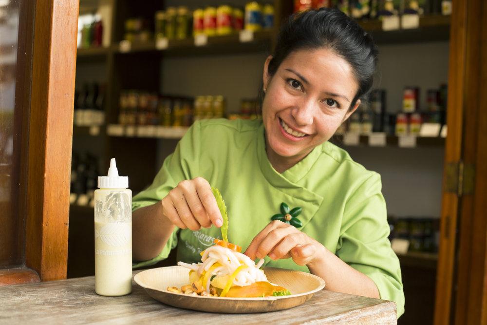 LA PATARASHKITA   El verdadero sabor de la selva gracias a ingredientes únicos como cocona, camu camu, bijao, cecina y aguaje, y de la mano de toda una familia comprometida con su tradición.
