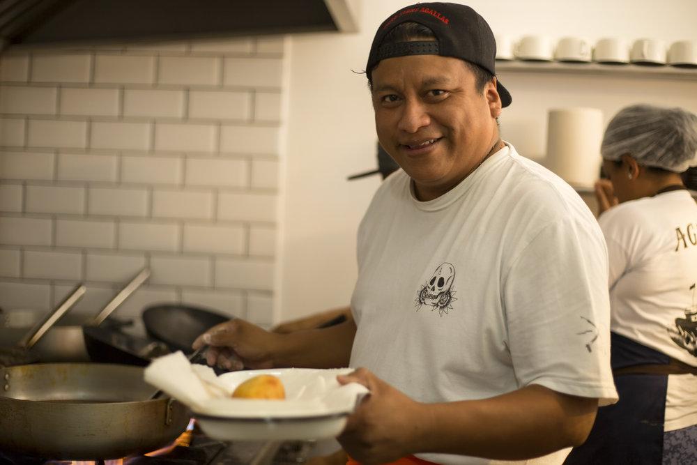 PROVINCIANO   Tallarines, seco, huancaína, adobo: los platos más tradicionales de la cocina peruana tienen su espacio en Provinciano, una barra criolla donde se lucen la mano y la sazón de un orgulloso cocinero peruano.