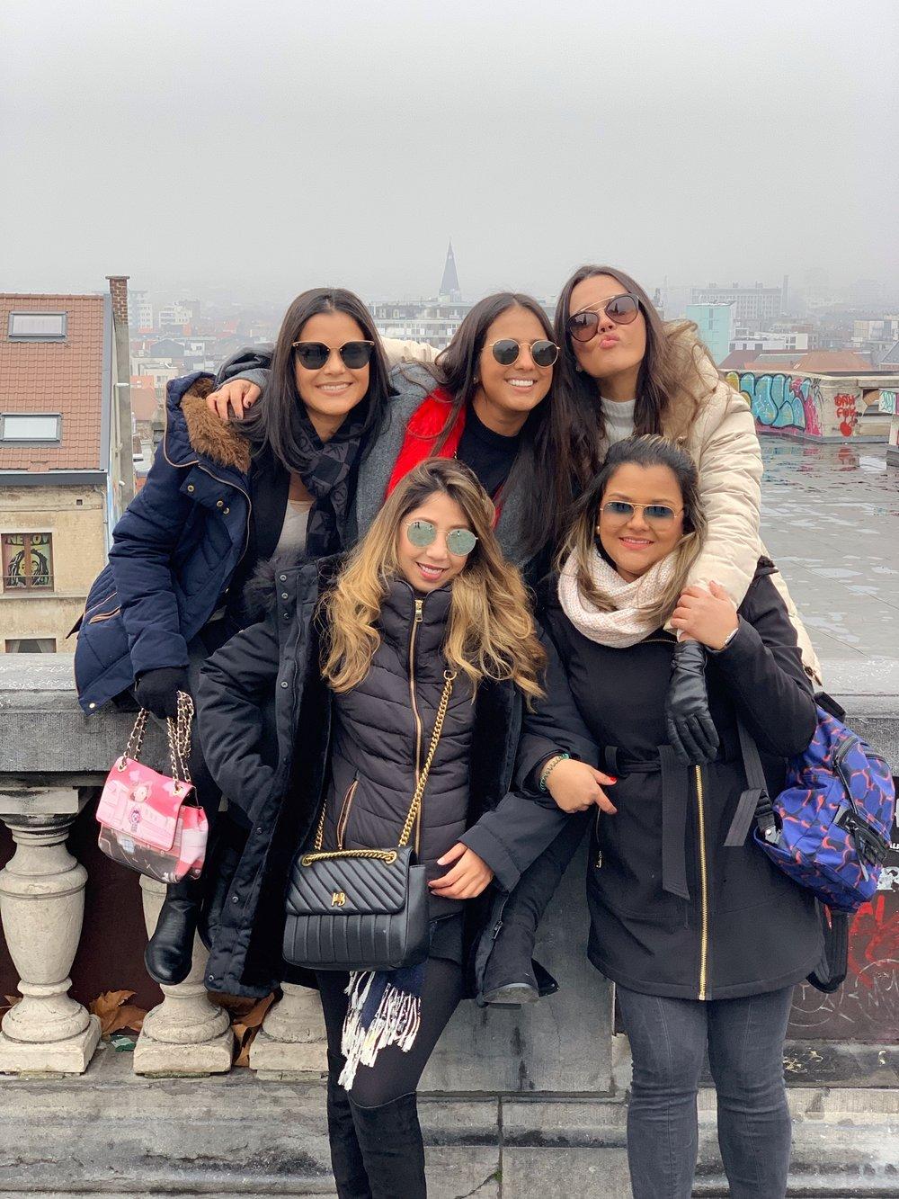 fashion travel blogger ideas xmas much needed paloma de la cruz inspiración fluir  friends europe