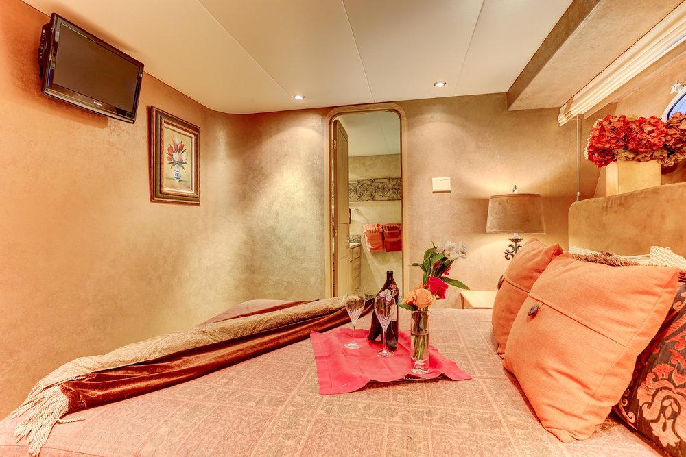 38 Sunrise Suite.jpg