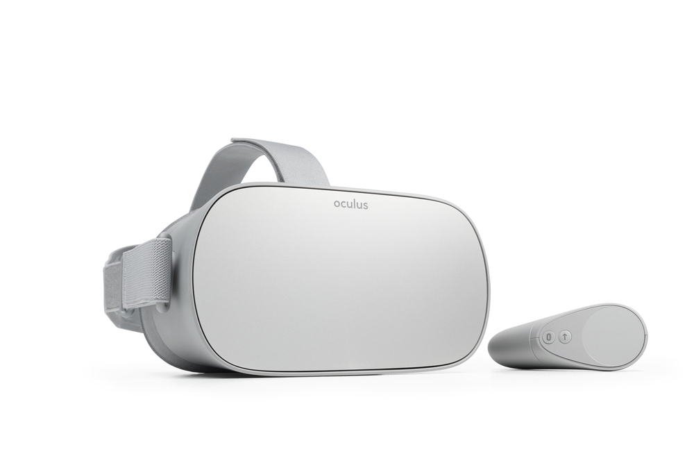Oculus Go_Headset and Touch Controller.png
