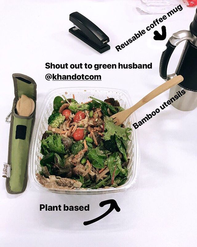 A few easy swaps to make you work lunches more green and less wasteful! Don't forget to recycle the plastic containers (or bring your own!) 💚♻️🍴