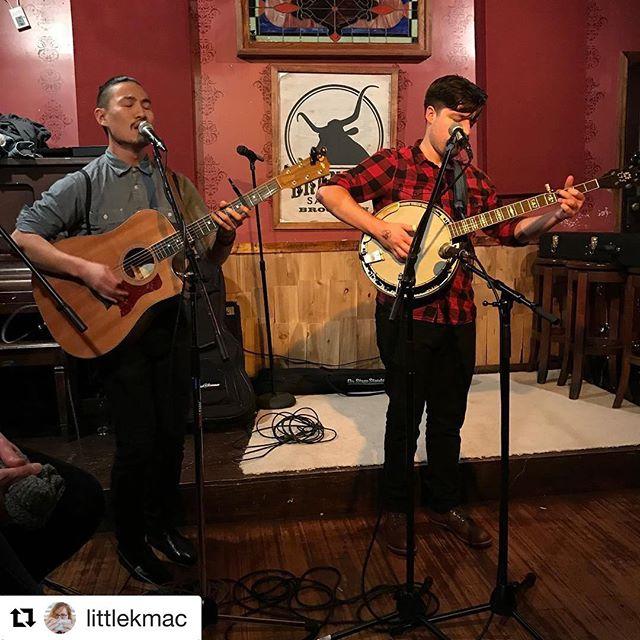 2/3's of @northernmusicbk  Had a great turn-out last Friday, thanks for all the love @brandedsaloon and thanks for the gram @littlekmac ! . . . . .  #northernmusicbk #northern  #guitar #taylorguitar #geigenmacher #violin #banjo #folkmusic #folk #americana #brooklyn #greenpoint #brandedsaloon #tgif #clintonhill #vanderbilt #liveshow #livemusic #fridaynight