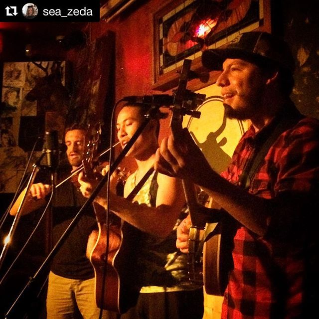 What a great show last night! Such a fun time and such a great venue @brandedsaloon stay tuned for information on our next show! #Repost @sea_zeda @repostapp . . . .  #northernmusicbk #northern  #guitar #taylorguitar #geigenmacher #violin #banjo #folkmusic #folk #americana #brooklyn #greenpoint #greenpointbrooklyn  #brandedsaloon #tgif #clintonhill #vanderbilt #liveshow #livemusic #fridaynight #lastnight