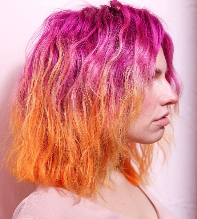 Texture ⚡️ my color pallette inspo was a building I saw in Melbourne and then when I applied it on hair i was like?!?!?! This is sunset hair?!?! Let me tell you I had the best time in Australia with @blondieshair and I got so inspired while I was there. I definitely miss all my friends there 💜 I used @pravana vivids for this look . . . . #behindthechair #thebtcteam #btconeshot19_vibrant
