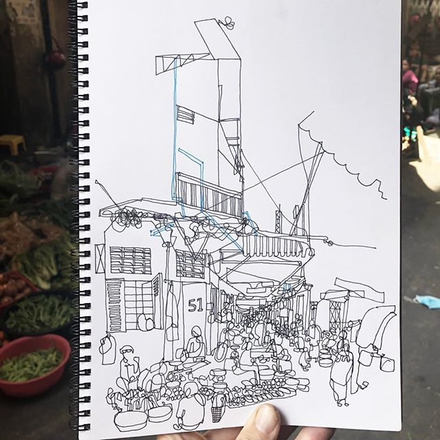 Speed sketching on my last morning in phnom penh; the alleyways around orussey market are amazing, i wish i had more time to sketch these spaces, people and activities. The really nice thing that found is that when sketching in this context, a small group usually surrounds you and provides what i think is a running commentary on what i'm drawing. So many smiles, and even though there is a language barrier, drawing makes all of us understand and smile #urbansketchers #phnompenh