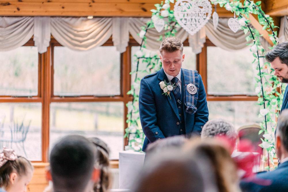 scottish-loch-lomond-wedding-photography-dearlyphotography (21 of 59).jpg