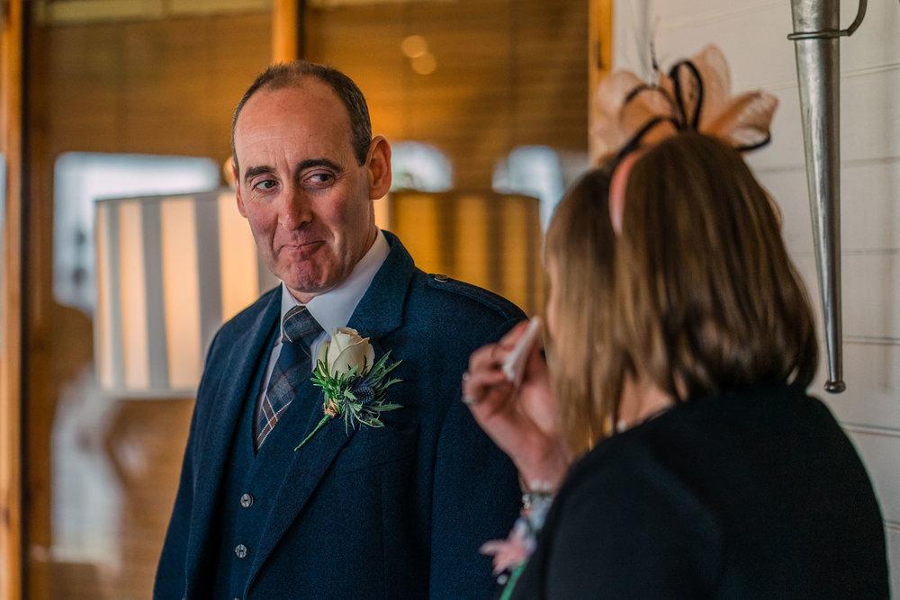 scottish-loch-lomond-wedding-photography-dearlyphotography (25 of 59).jpg