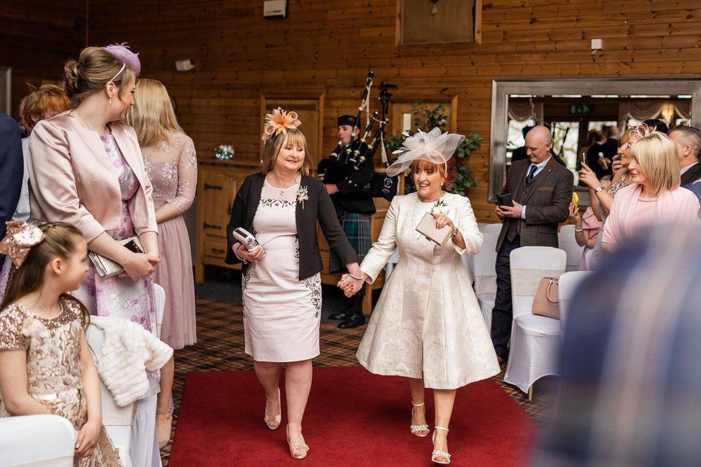 scottish-loch-lomond-wedding-photography-dearlyphotography (27 of 59).jpg