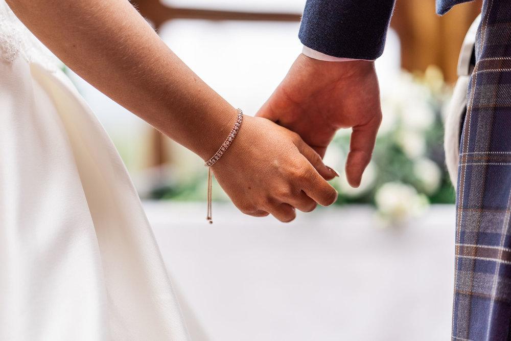 scottish-loch-lomond-wedding-photography-dearlyphotography (40 of 59).jpg
