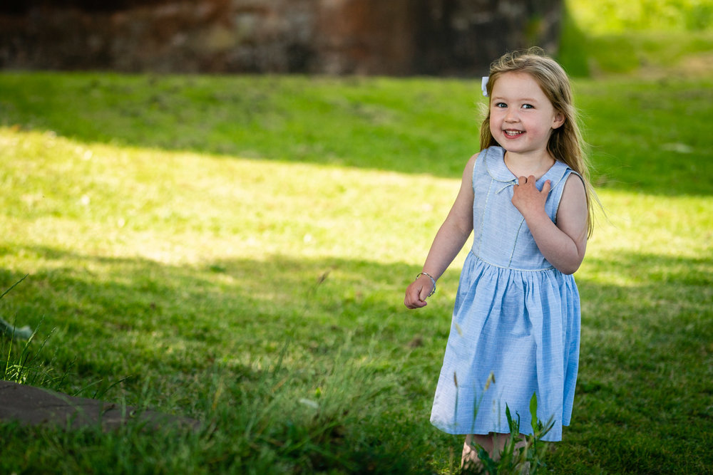walker-family-session-bothwell-castle-glasgow-dearlyphotography (16 of 31).jpg