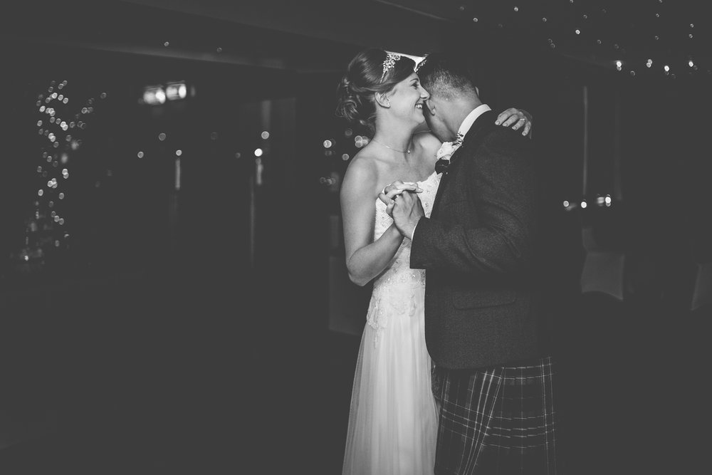 orocco-pier-wedding-edinburgh-south-queensferry-dearlyphotography (52 of 63).jpg