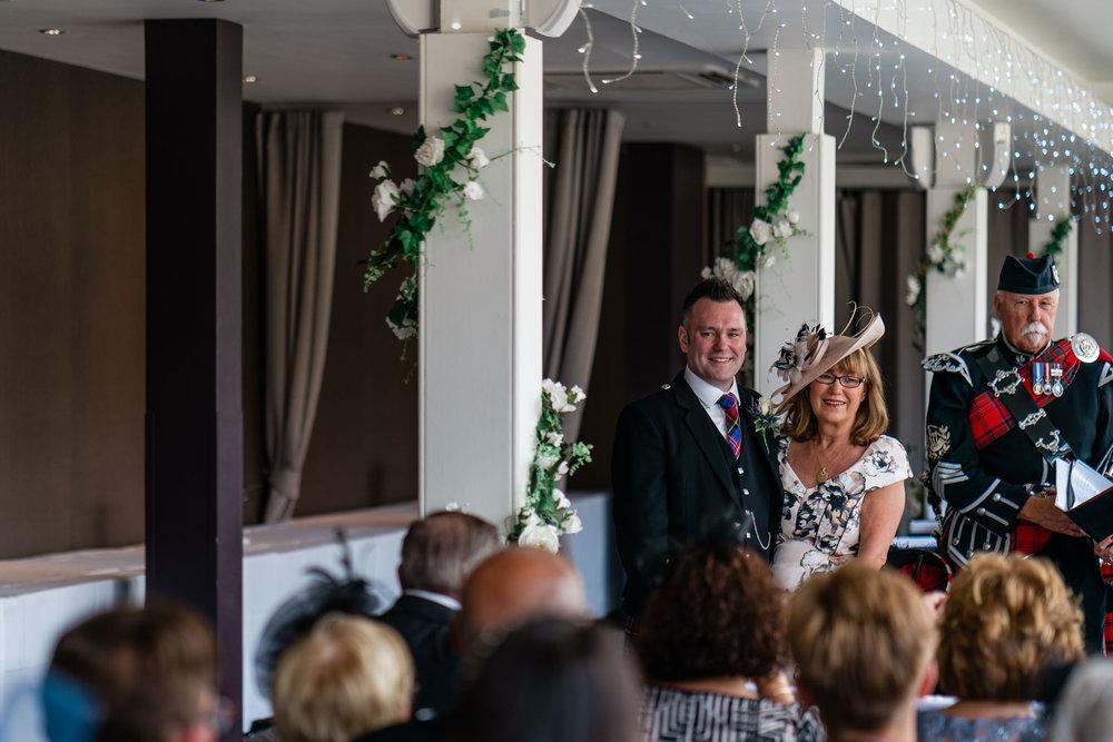 edinburgh_apex_hotel_wedding_dearlyphotography (15 of 65).jpg