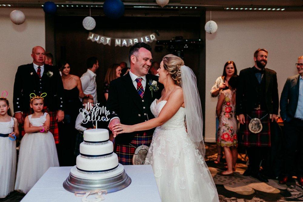 edinburgh_apex_hotel_wedding_dearlyphotography (54 of 65).jpg