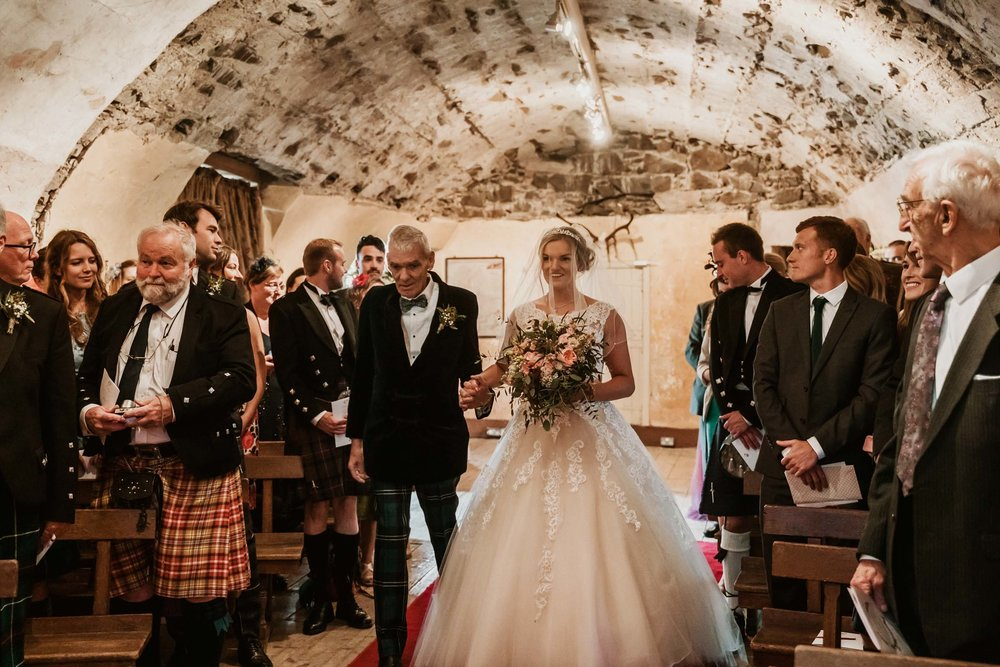 neidpath_castle_peebles_wedding_dearlyphotography (35 of 122).jpg