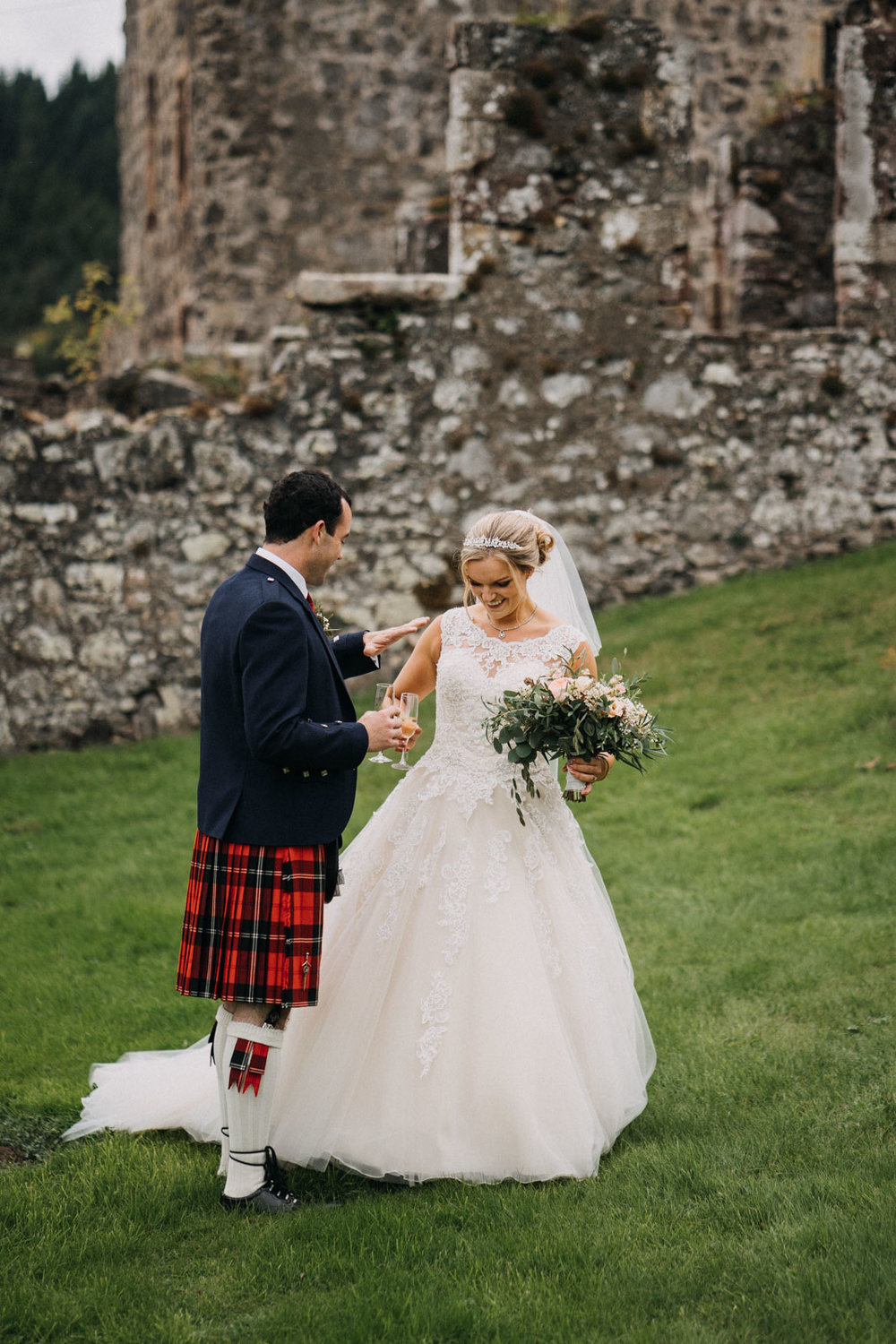 neidpath_castle_peebles_wedding_dearlyphotography (63 of 122).jpg