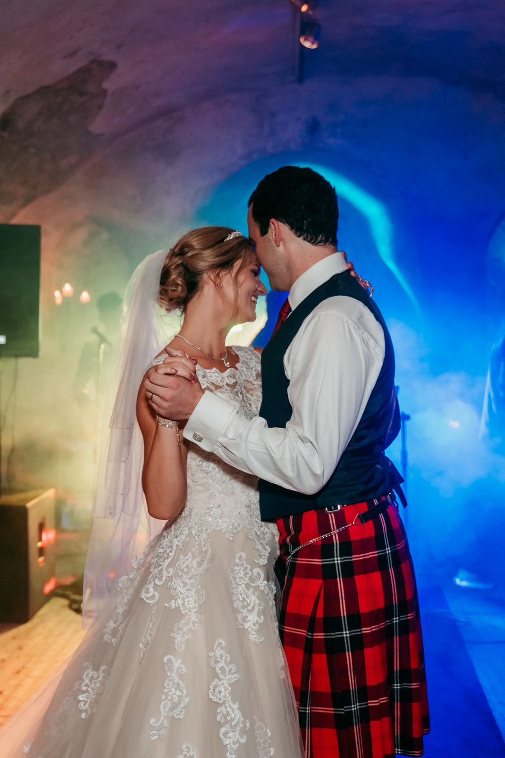 neidpath_castle_peebles_wedding_dearlyphotography (111 of 122).jpg