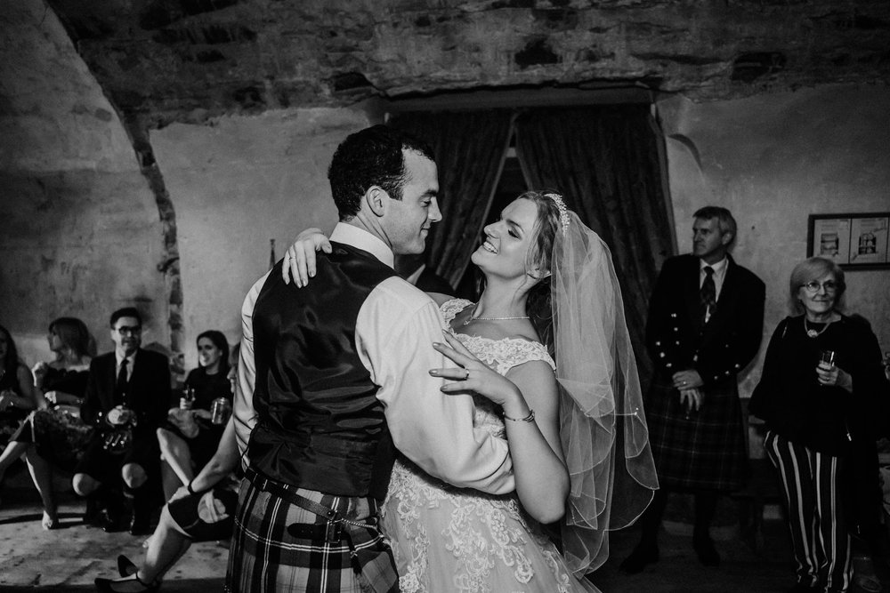 neidpath_castle_peebles_wedding_dearlyphotography (121 of 122).jpg