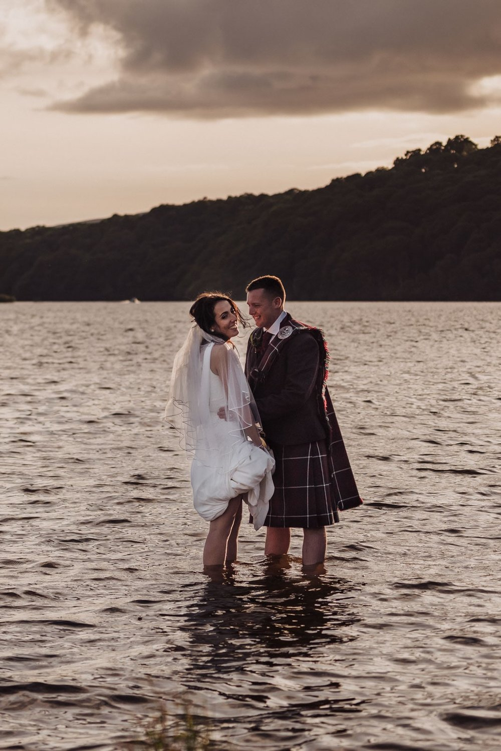 loch_lomond_waterfront_wedding_dearlyphotography (93 of 103).jpg