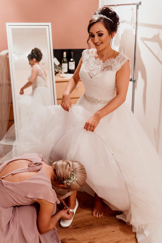 Oran-Mor-Wedding-Photographer-DearlyPhotography (9 of 55).jpg