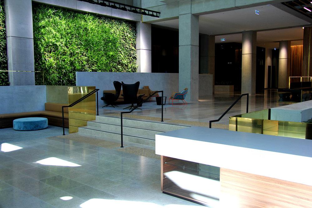 565 Lobby redu.jpg