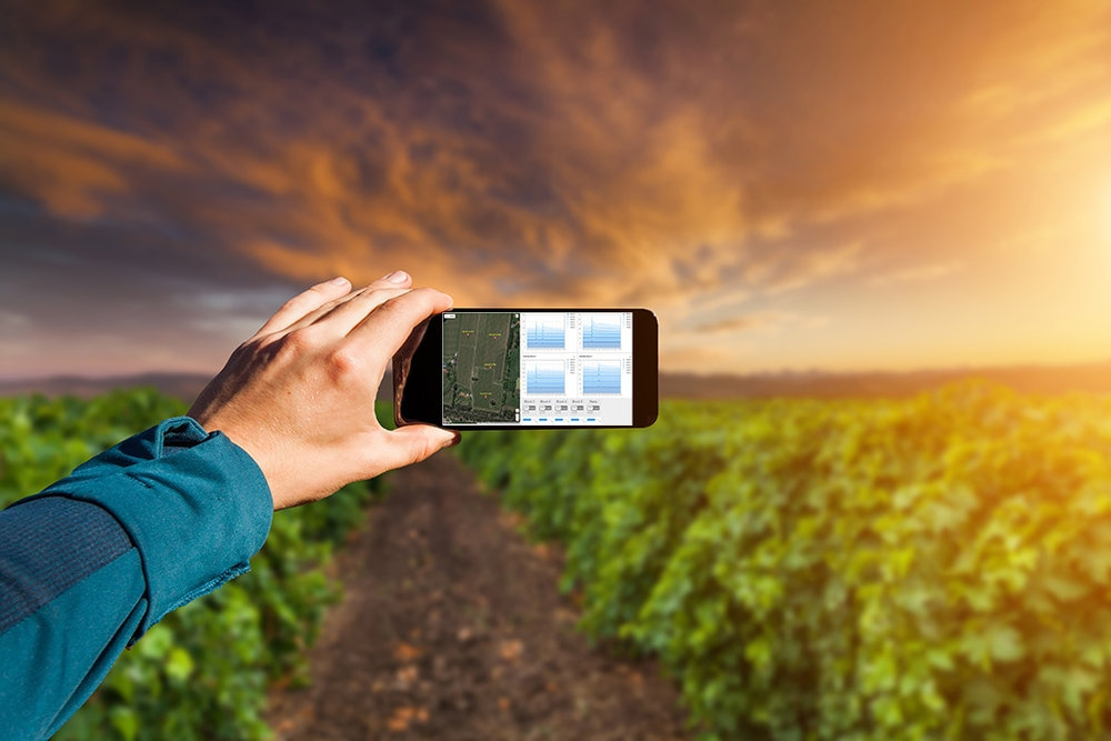 Realtime monitoringon Web & mobile - Care for your vines from the palm of your hand with realtime soil monitoring and weather observations, and spend more time on the things that actually add value to your operation.