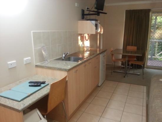 room-tambo-inn-motel.jpg