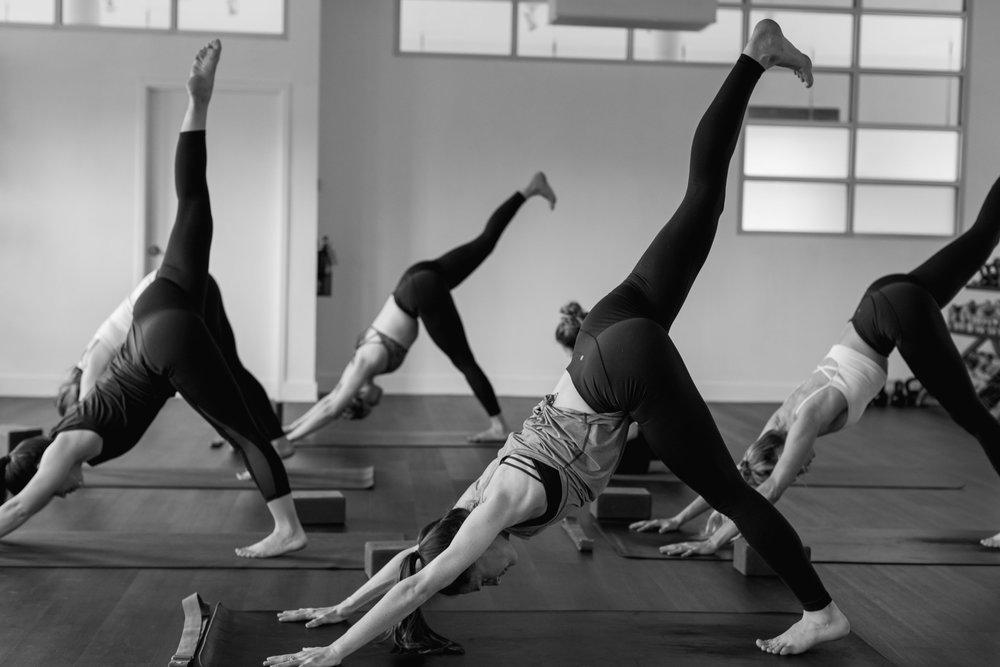 Vinyasa yoga meets Functional Fitness & Mindful Rehabilitation - FLOW