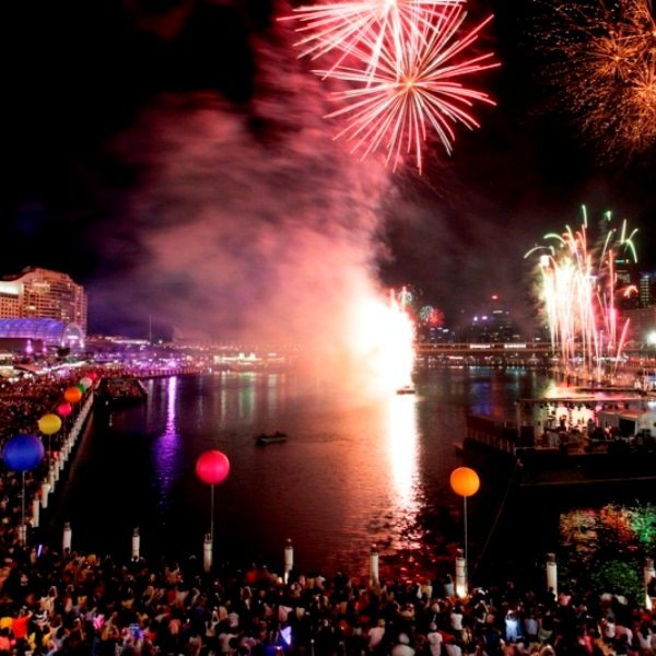 Darling Harbour NYE fireworks