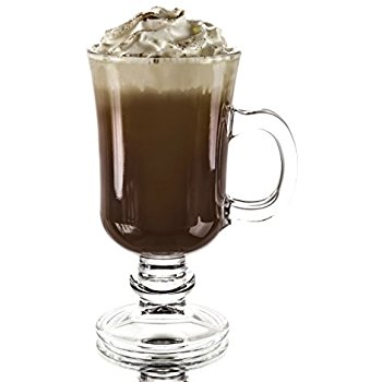 Café Escocés - Preparar en copa de vino: Una copa de Whisky Escocés (caliente), una cucharadita de azúcar molida, un café muy caliente. Mezclar bien y añadir una bola de helado de vainilla.