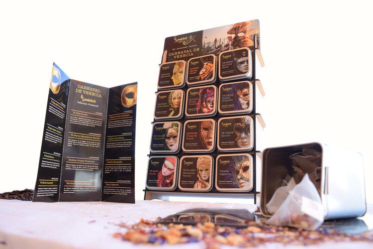 Tés - Una amplia gama de especialidades de Té procedentes de las mejores zonas productoras del mundo, China, Sri Lanka, Japón, La India, Sudáfrica...Envasados en las dosis más adecuadas, para disfrutar de estimulantes sabores que le aportarán una saludable fuente de bienestar.