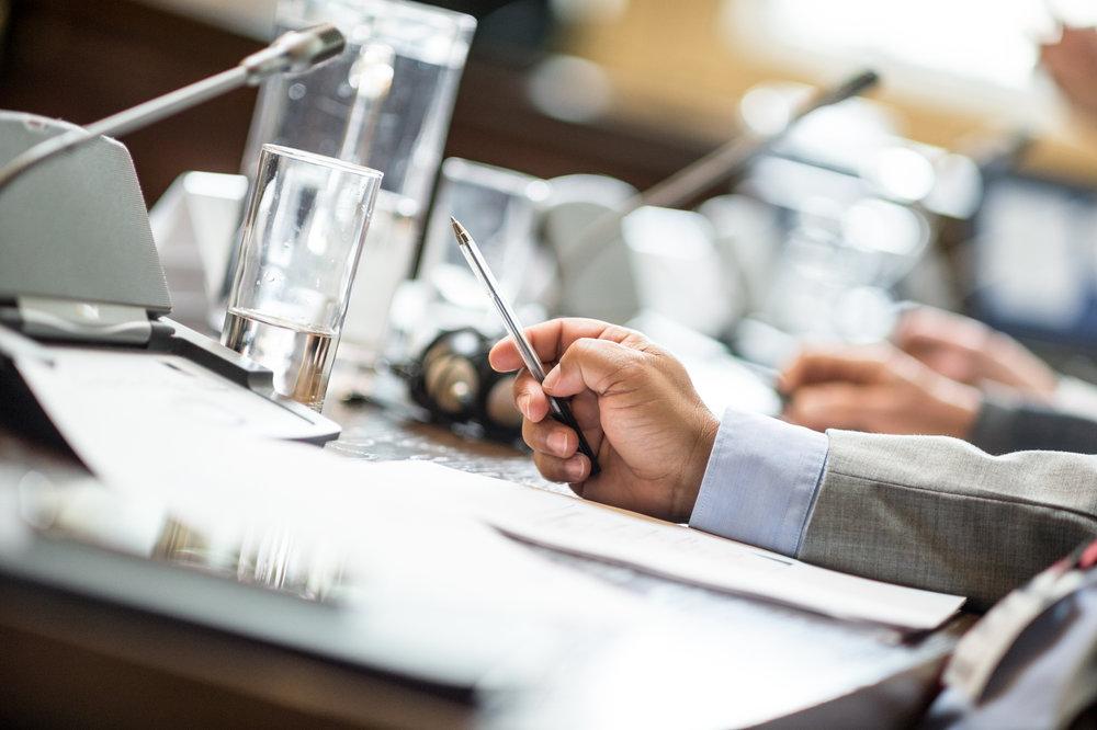 Styrearbeid - Vi har betydelig kompetanse og erfaring knyttet til styrearbeid. Samlet har vi gjennomført flere hundre styremøter i bedrifter av ulik størrelse med krevende utfordringer og i ulike bransjer. Vi kan også bidra med rekruttering av styremedlemmer.