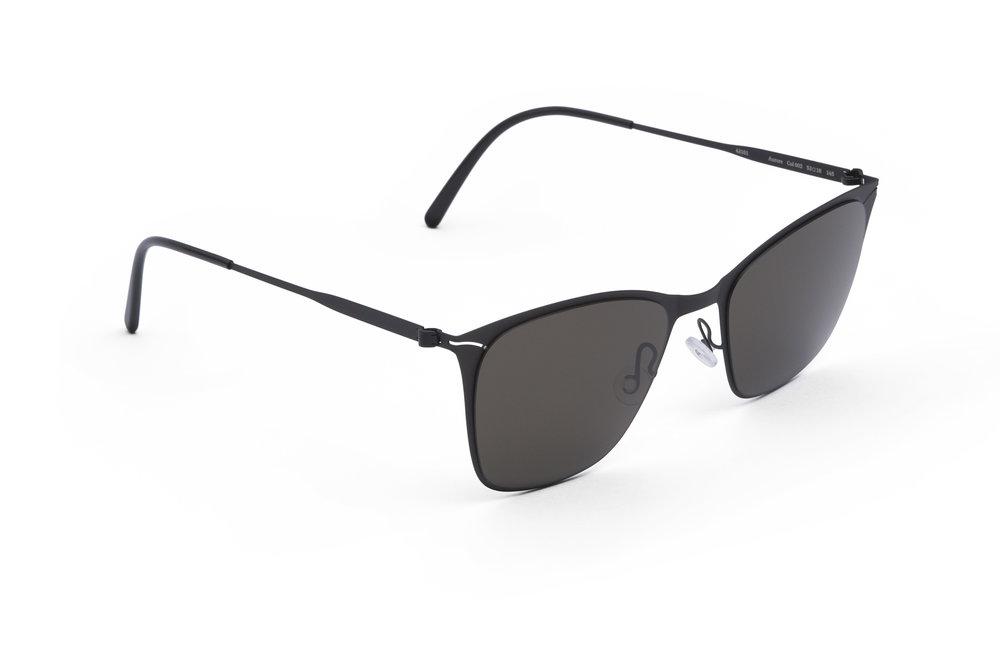 haffmans_neumeister_aurora_black_black_grey_line_sunglasses_angle_102160.jpg