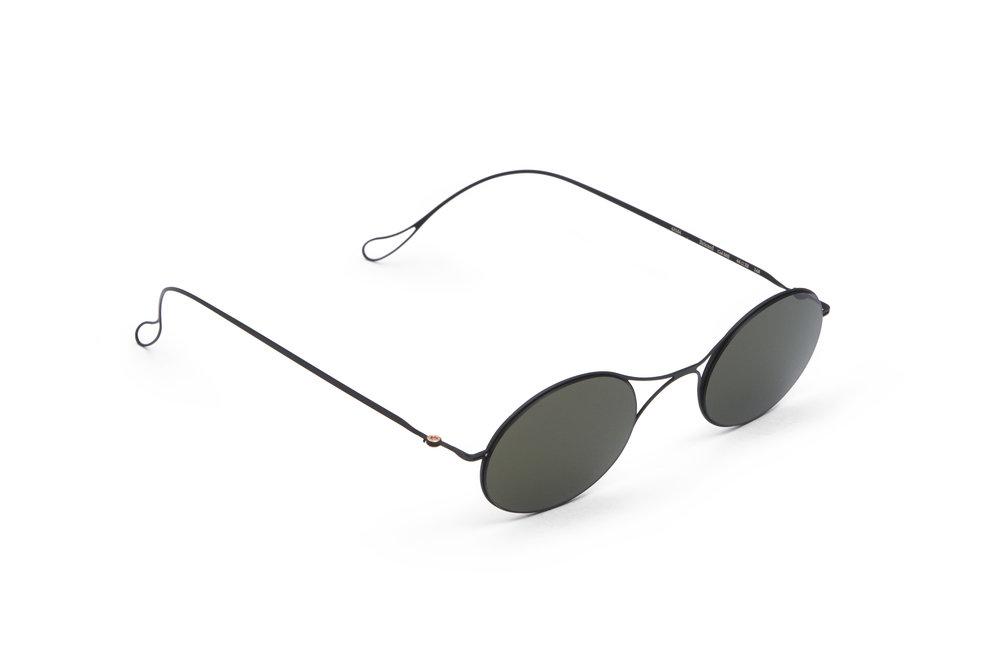haffmans_neumeister_bricard_black_grey_ultralight_sunglasses_angle_102247.jpg