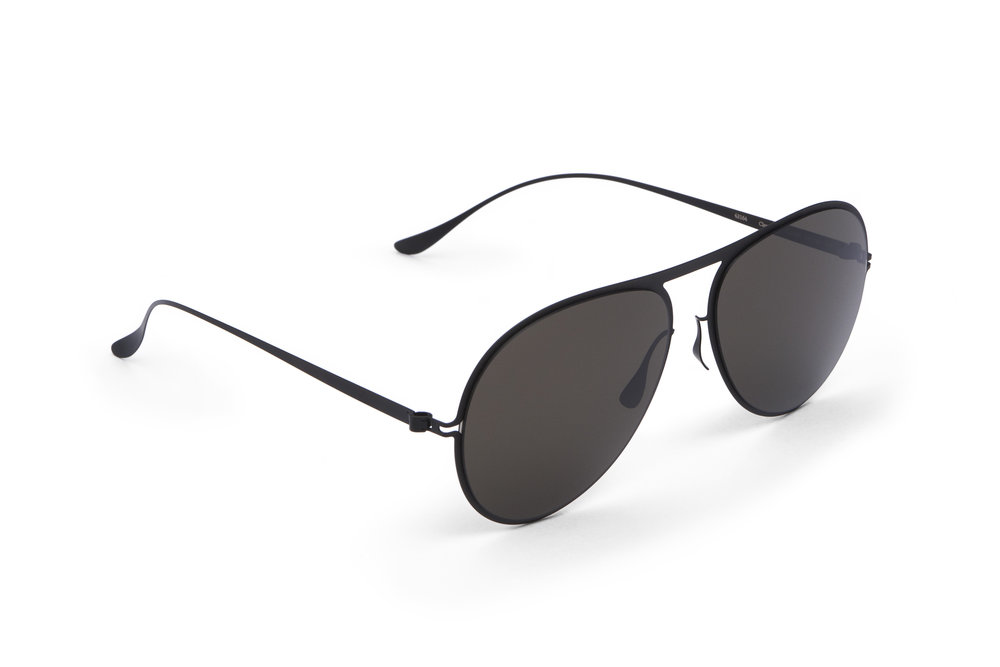 haffmans_neumeister_clearwater_black_grey_line_sunglasses_angle_102291.jpg