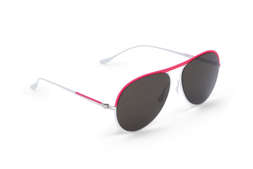 haffmans_neumeister_clearwater_powder_candy_grey_p60_sunglasses_angle_102293.jpg