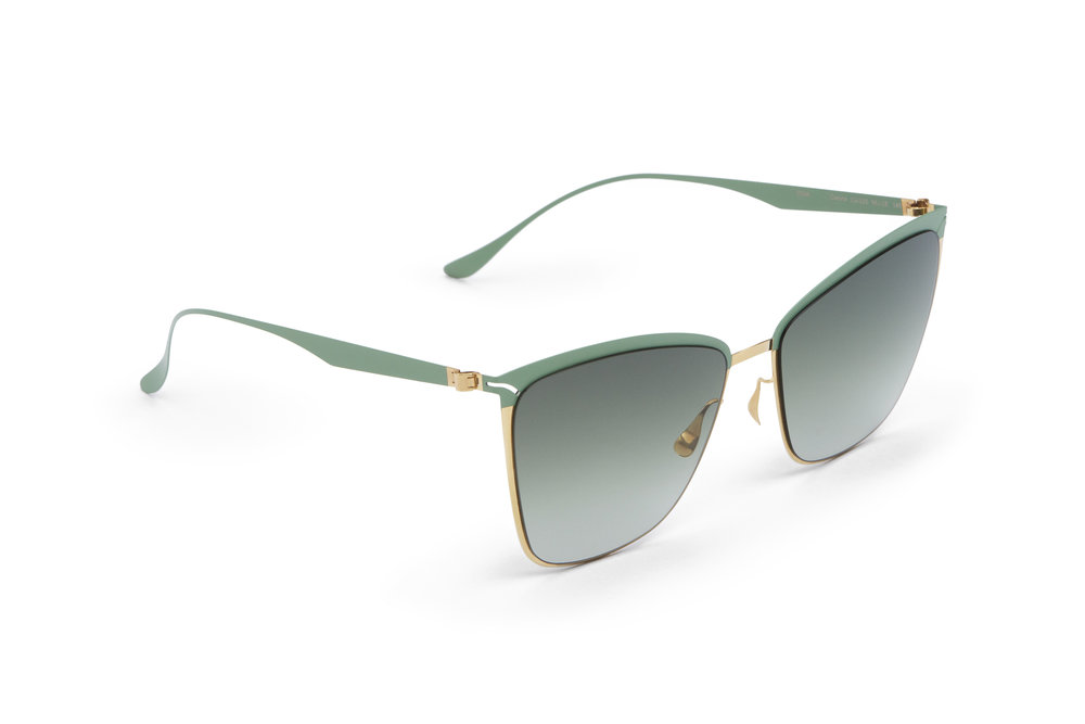 haffmans_neumeister_corona_gold_sage_green_amazon_gradient_p60_sunglasses_angle_102297.jpg