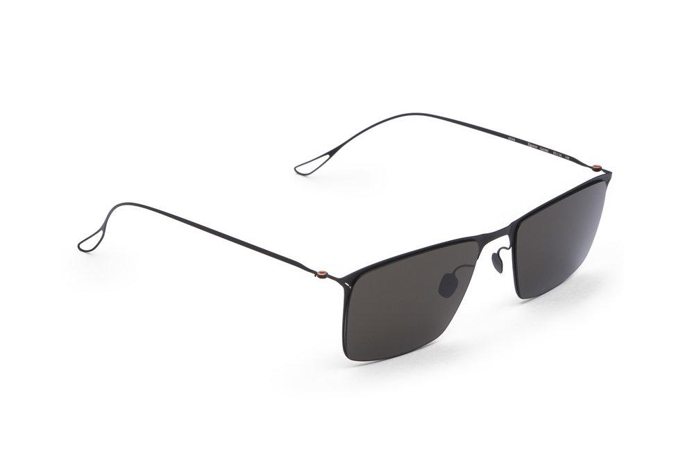 haffmans_neumeister_egorov_black_grey_ultralight_sunglasses_angle_102264.jpg