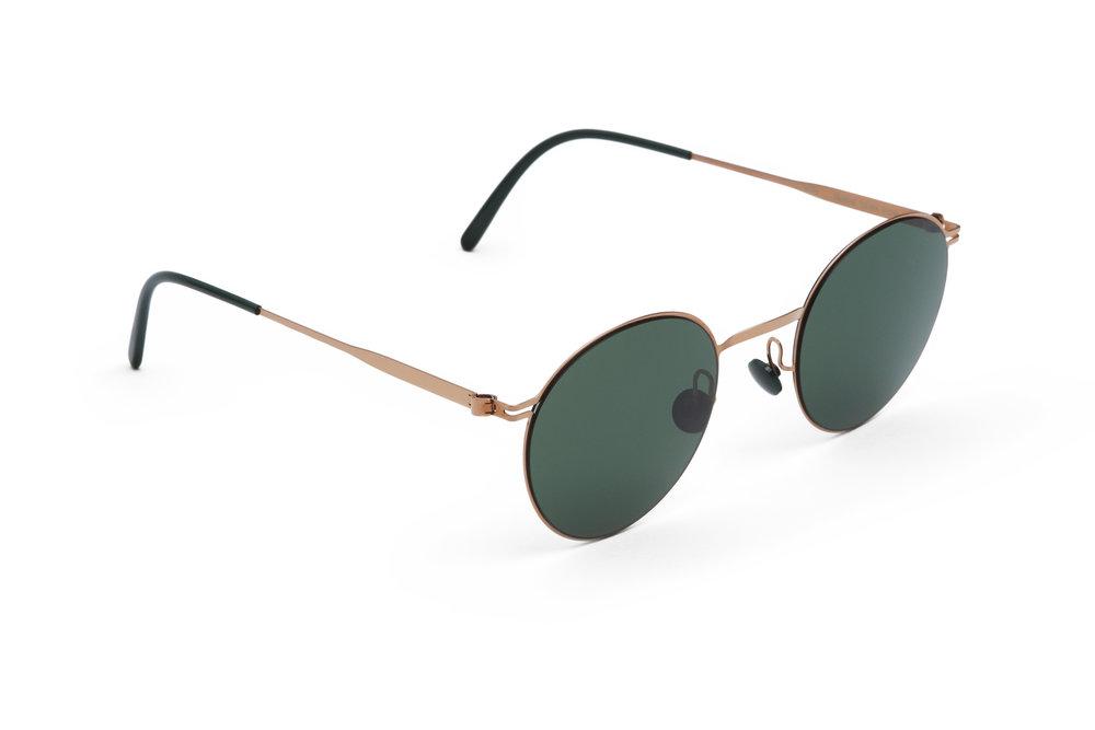 haffmans_neumeister_hazeltine_rosegold_darkgreen_green_line_sunglasses_angle_102047.jpg