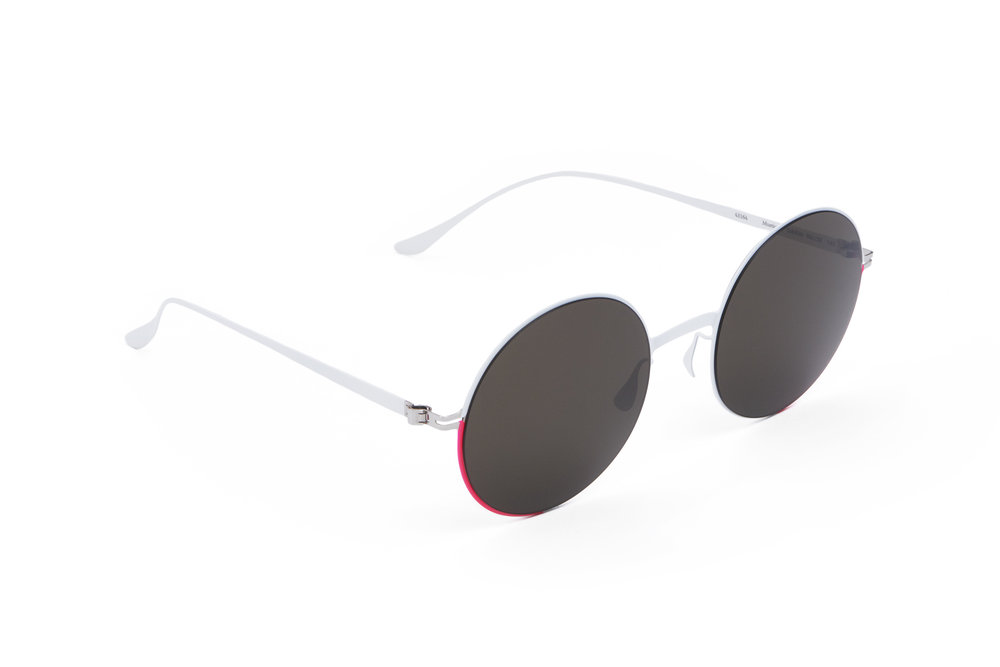haffmans_neumeister_mustique_powder_candy_grey_p60_sunglasses_angle_102307.jpg