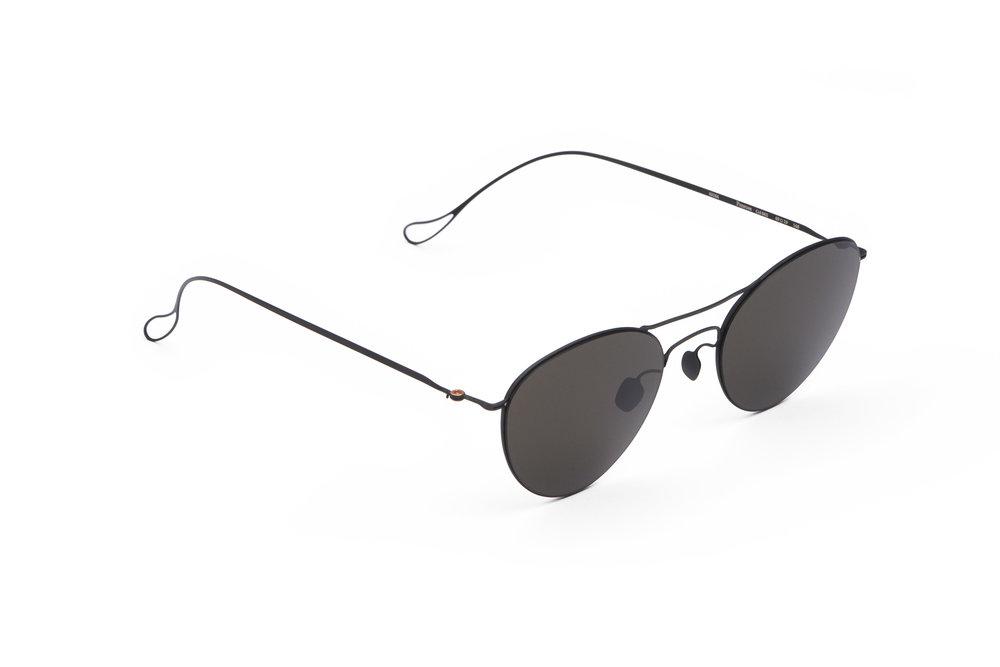 haffmans_neumeister_penrose_black_grey_ultralight_sunglasses_angle_102279.jpg