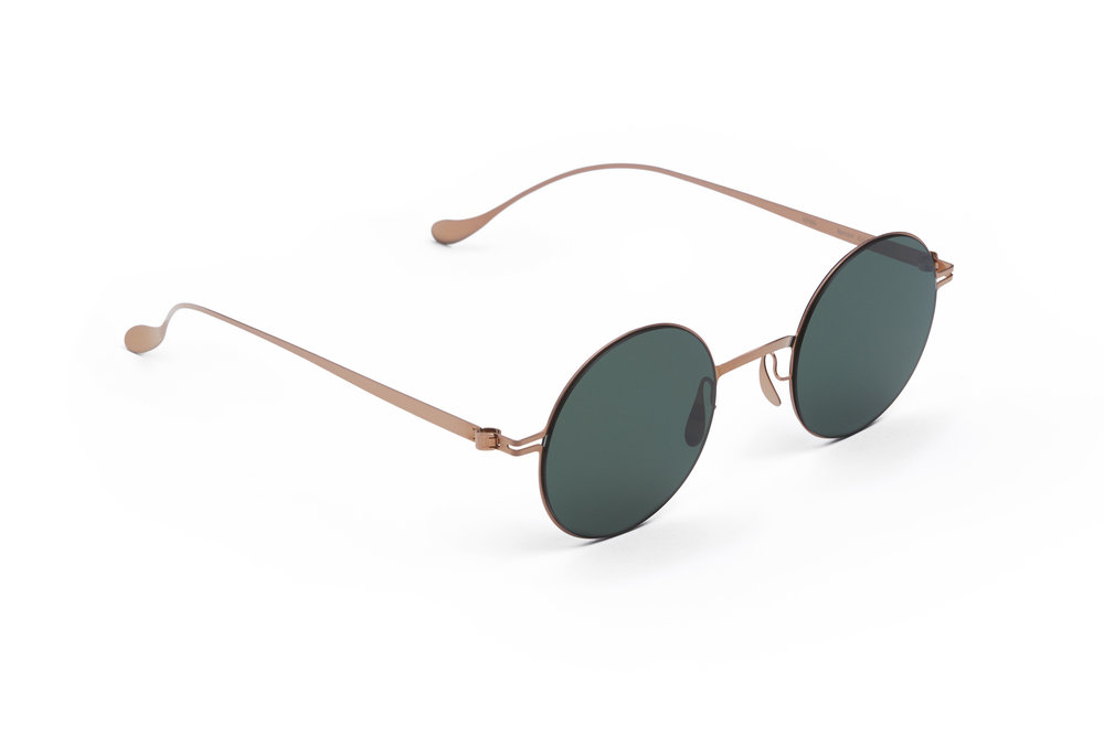 haffmans_neumeister_spectre_rosegold_green_line_sunglasses_angle_102118.jpg
